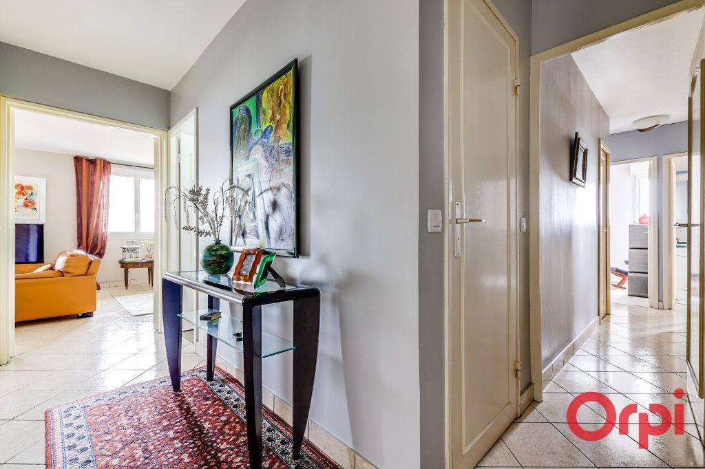 Appartement à vendre 5 93.35m2 à Romainville vignette-12