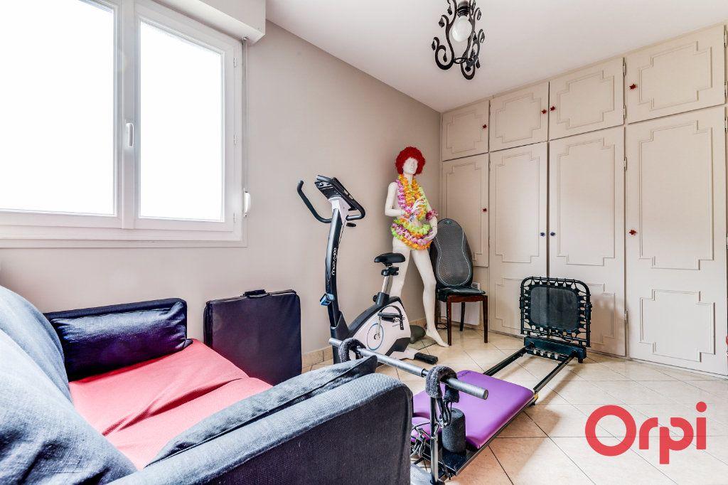 Appartement à vendre 5 93.35m2 à Romainville vignette-17