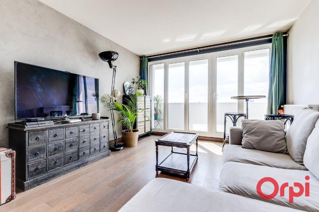 Appartement à vendre 3 65m2 à Les Lilas vignette-3
