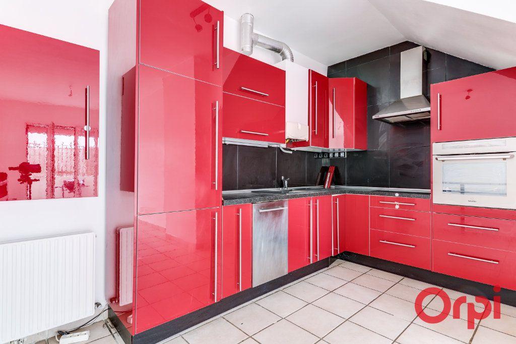 Appartement à vendre 3 62m2 à Bagnolet vignette-1