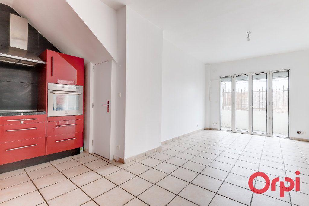 Appartement à vendre 3 62m2 à Bagnolet vignette-2