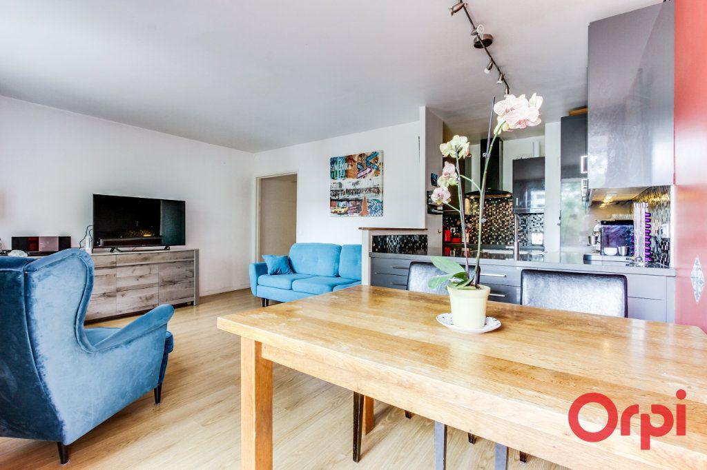 Appartement à vendre 3 69.07m2 à Romainville vignette-1