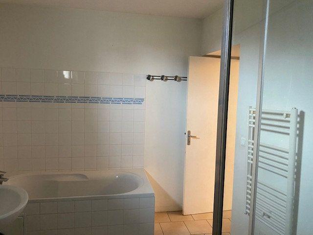 Appartement à louer 3 79m2 à Neuilly-en-Vexin vignette-2