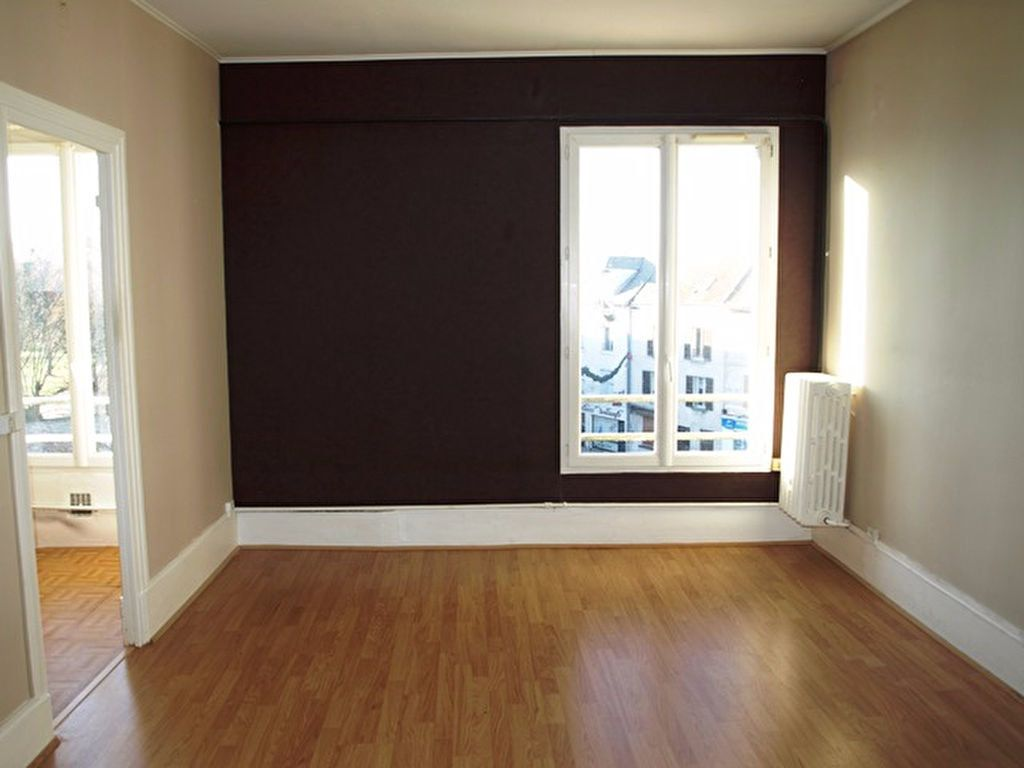 Appartement à louer 2 45m2 à Marines vignette-1