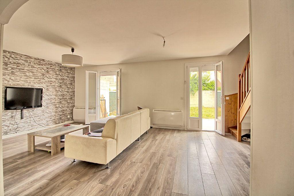 Maison à vendre 7 110m2 à Pont-Sainte-Maxence vignette-1