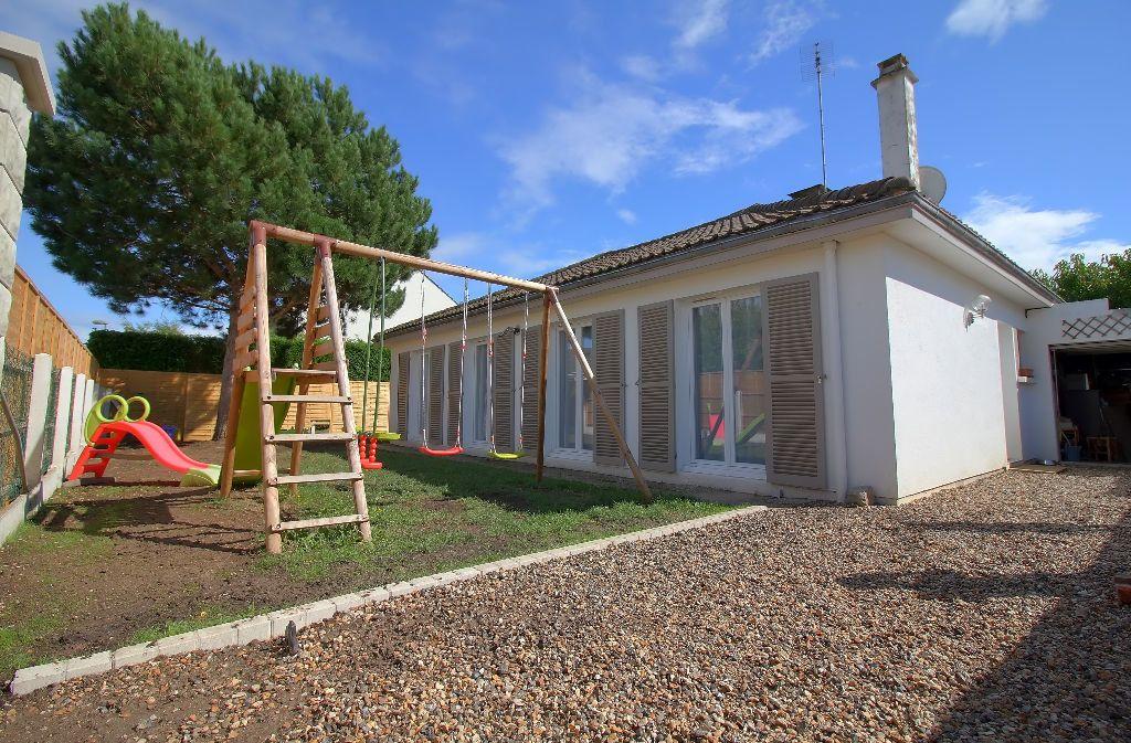 Maison à vendre 5 94.7m2 à Pont-Sainte-Maxence vignette-1
