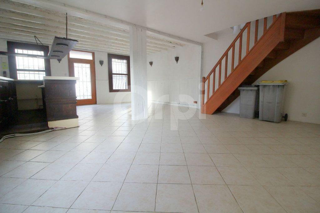 Maison à vendre 6 130m2 à Pont-Sainte-Maxence vignette-3