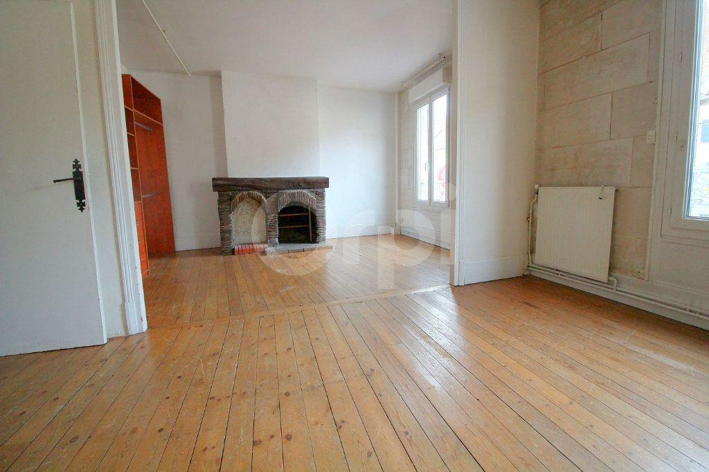 Maison à vendre 6 130m2 à Pont-Sainte-Maxence vignette-5