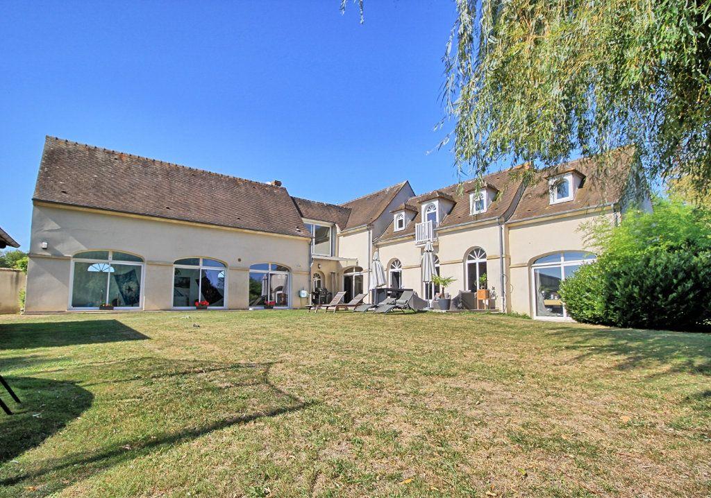 Maison à vendre 8 270m2 à Pont-Sainte-Maxence vignette-1