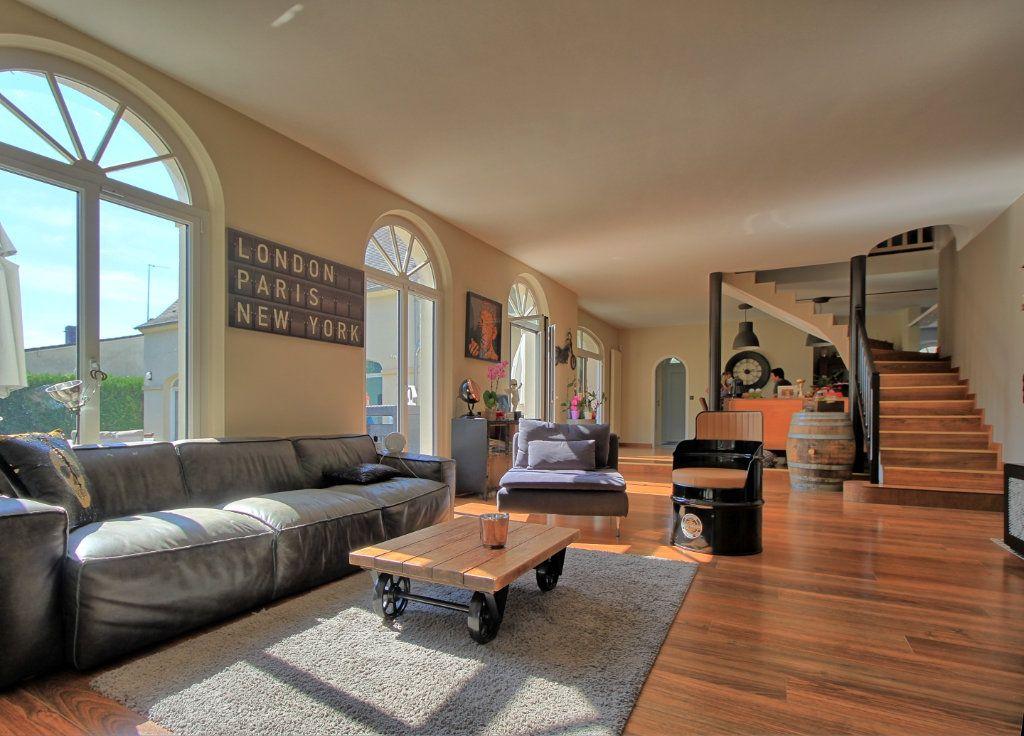 Maison à vendre 8 270m2 à Pont-Sainte-Maxence vignette-2