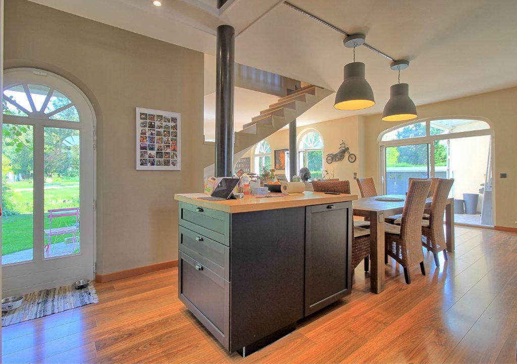 Maison à vendre 8 270m2 à Pont-Sainte-Maxence vignette-4