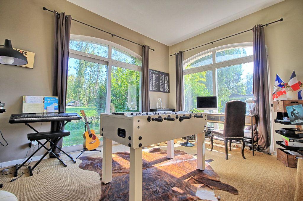 Maison à vendre 8 270m2 à Pont-Sainte-Maxence vignette-5