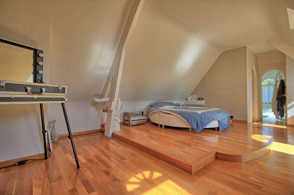 Maison à vendre 8 270m2 à Pont-Sainte-Maxence vignette-6