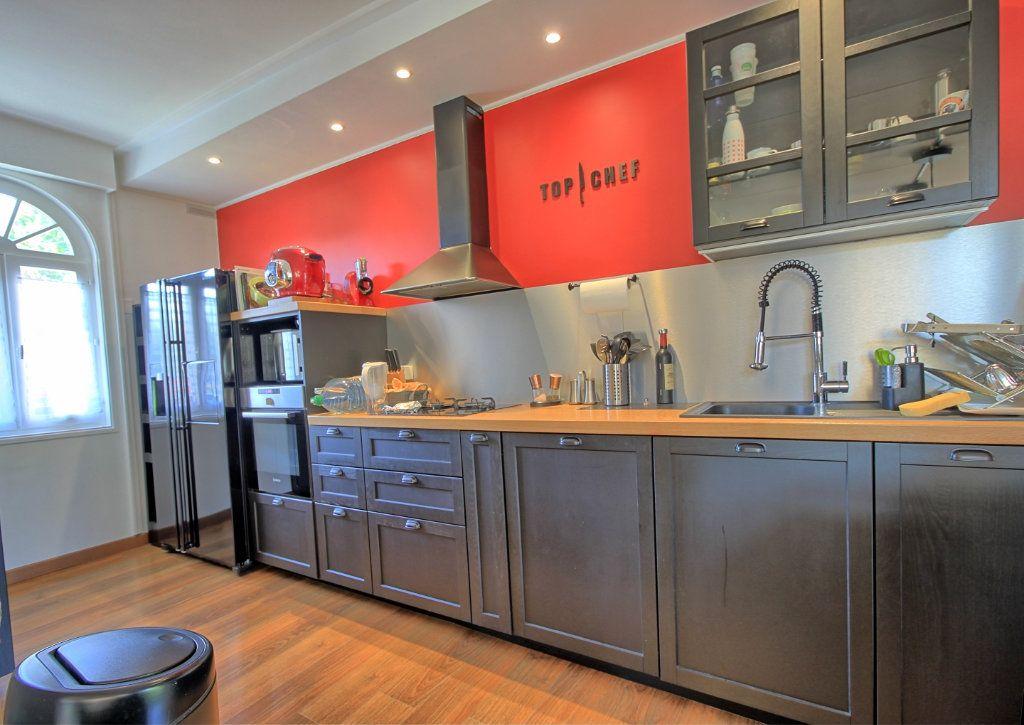 Maison à vendre 8 270m2 à Pont-Sainte-Maxence vignette-8