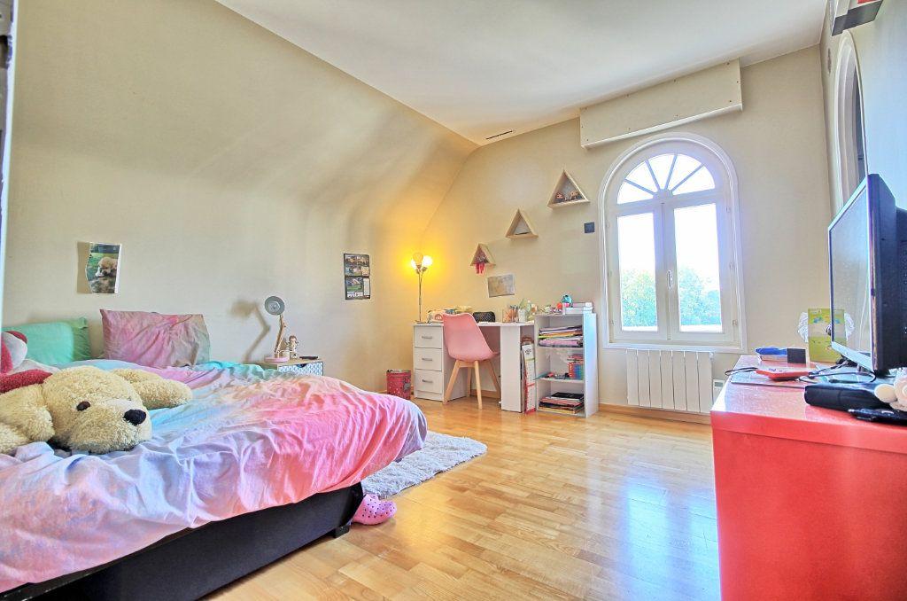 Maison à vendre 8 270m2 à Pont-Sainte-Maxence vignette-13