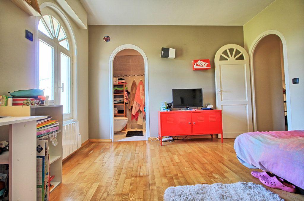 Maison à vendre 8 270m2 à Pont-Sainte-Maxence vignette-14