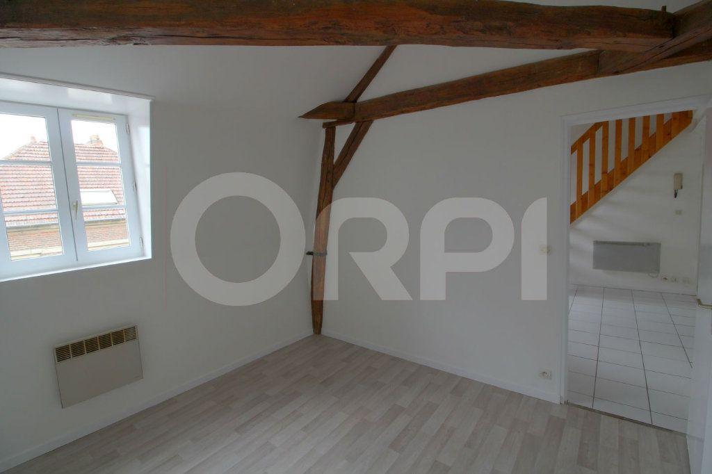 Appartement à louer 3 39m2 à Pont-Sainte-Maxence vignette-2