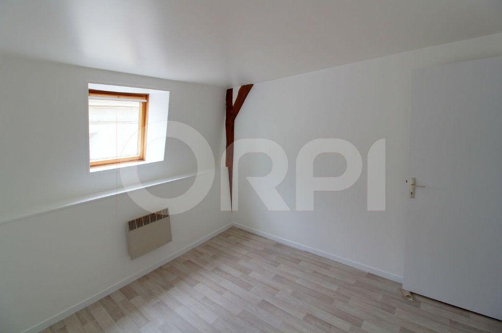 Appartement à louer 3 39m2 à Pont-Sainte-Maxence vignette-3