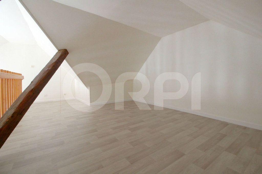 Appartement à louer 3 39m2 à Pont-Sainte-Maxence vignette-5