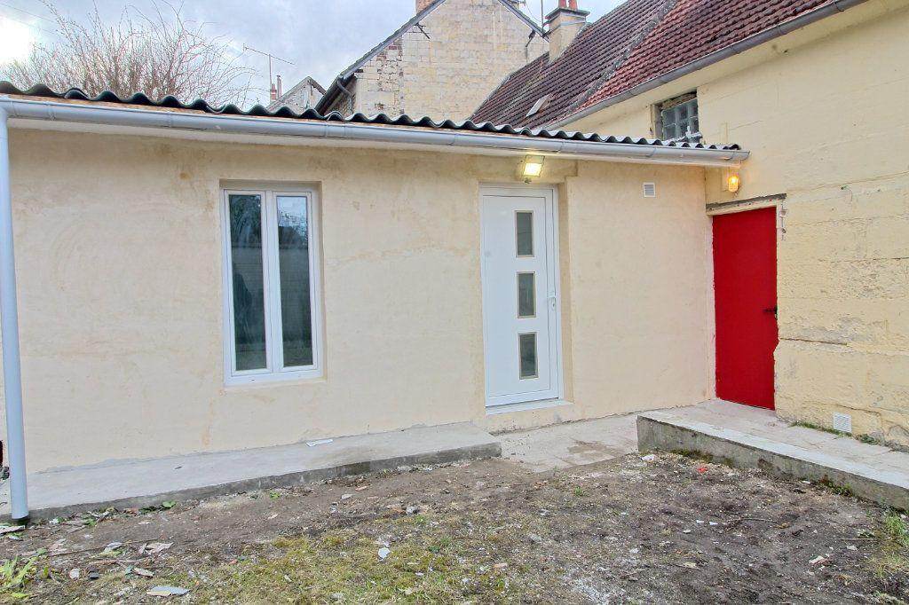 Appartement à louer 1 19.14m2 à Pont-Sainte-Maxence vignette-1