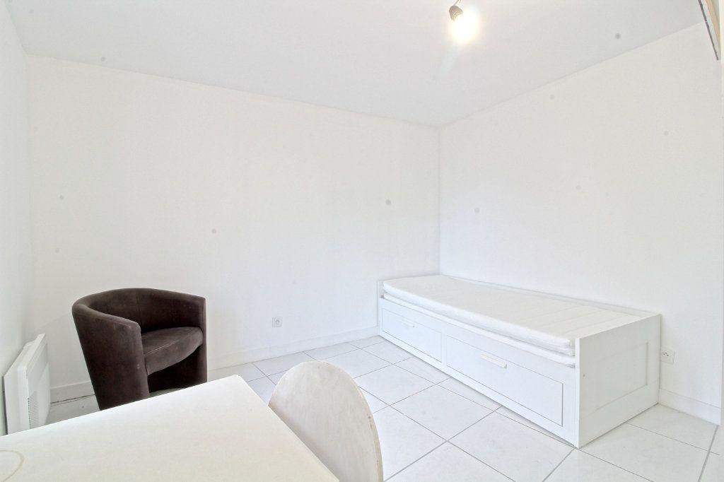 Appartement à louer 1 19.14m2 à Pont-Sainte-Maxence vignette-3