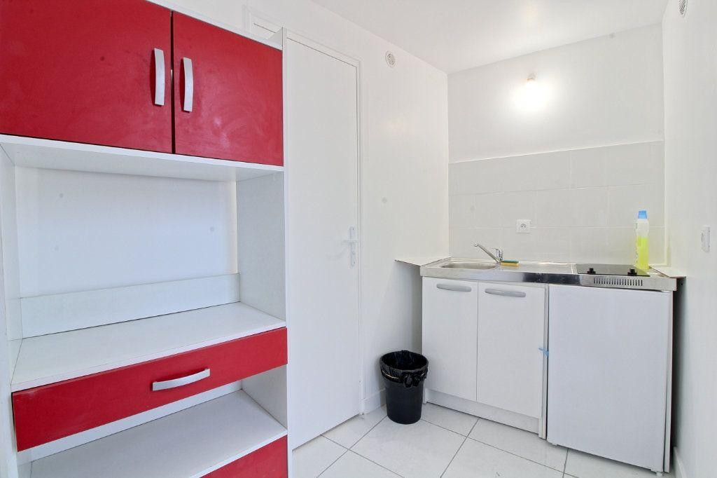 Appartement à louer 1 19.14m2 à Pont-Sainte-Maxence vignette-4