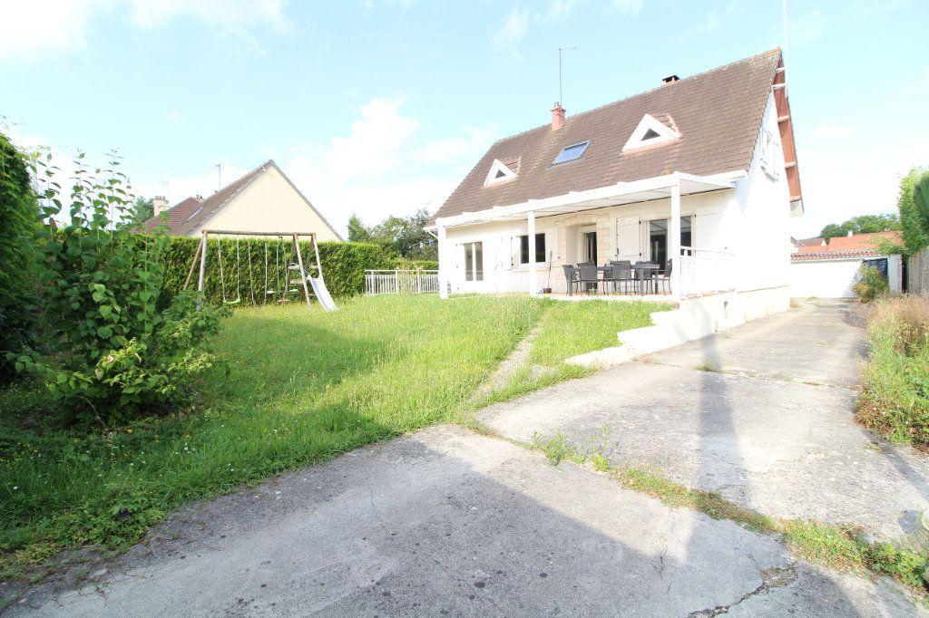 Maison à vendre 6 140m2 à Pont-Sainte-Maxence vignette-1