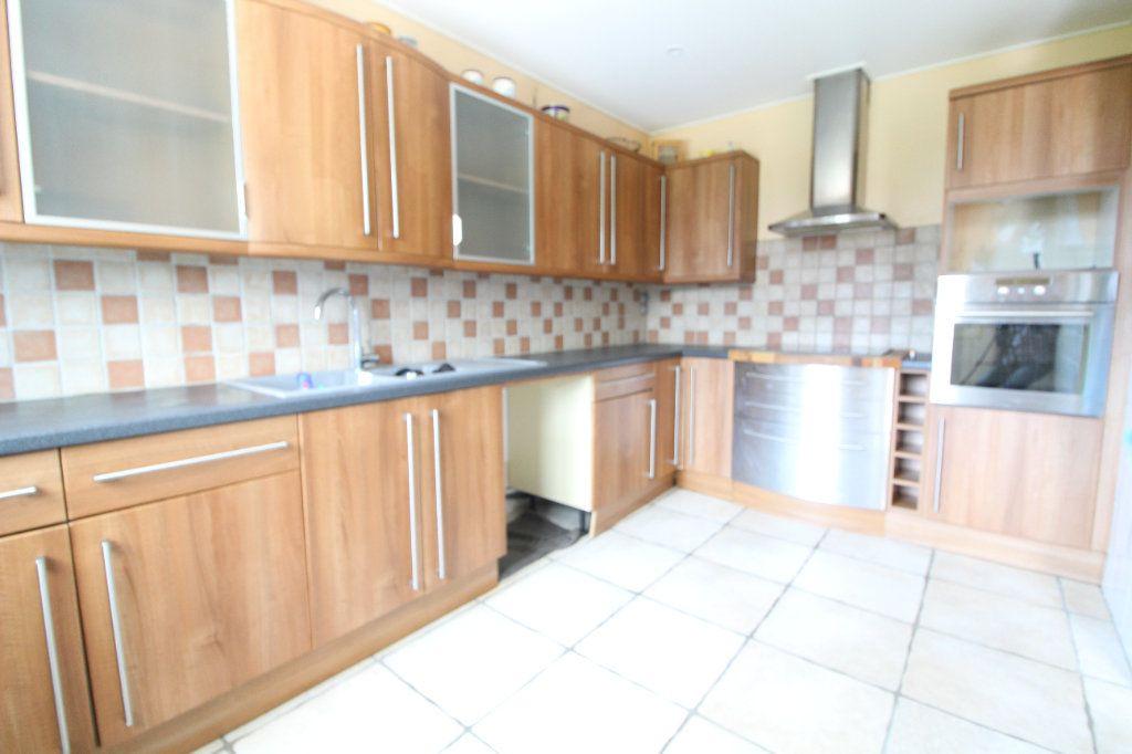 Maison à vendre 6 140m2 à Pont-Sainte-Maxence vignette-4
