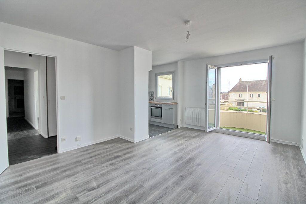 Appartement à louer 3 63m2 à Pont-Sainte-Maxence vignette-1