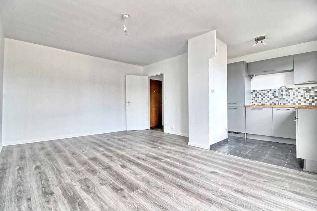Appartement à louer 3 63m2 à Pont-Sainte-Maxence vignette-3