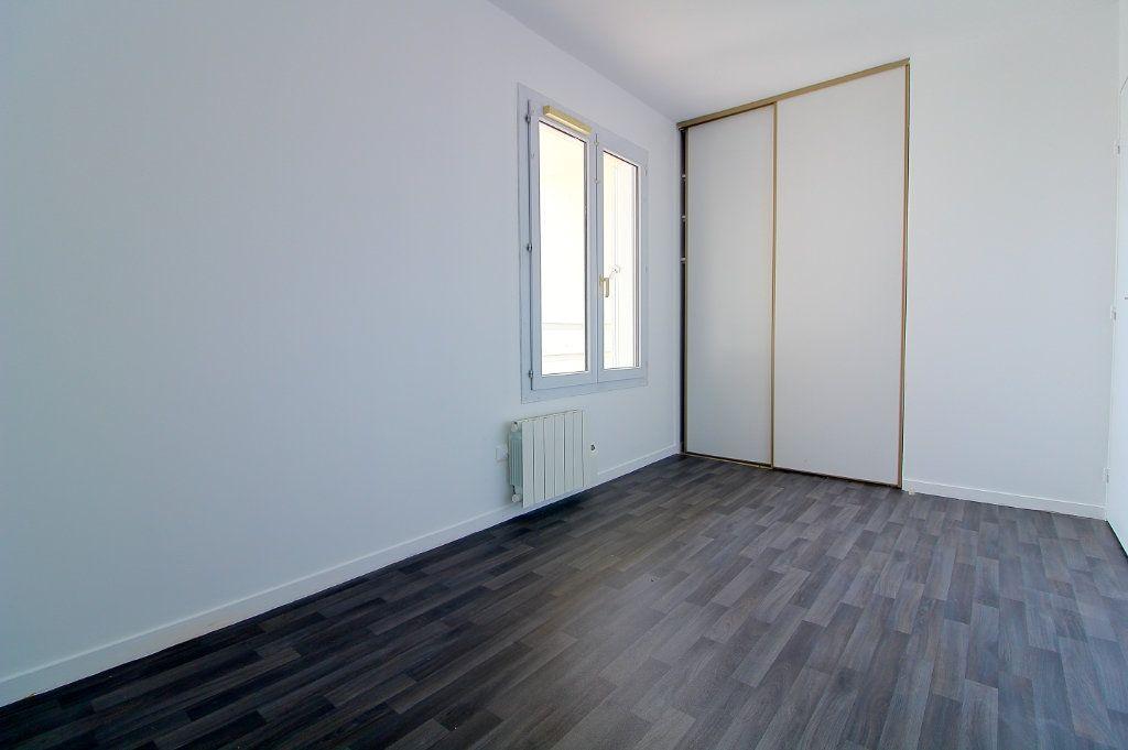 Appartement à louer 3 63m2 à Pont-Sainte-Maxence vignette-4