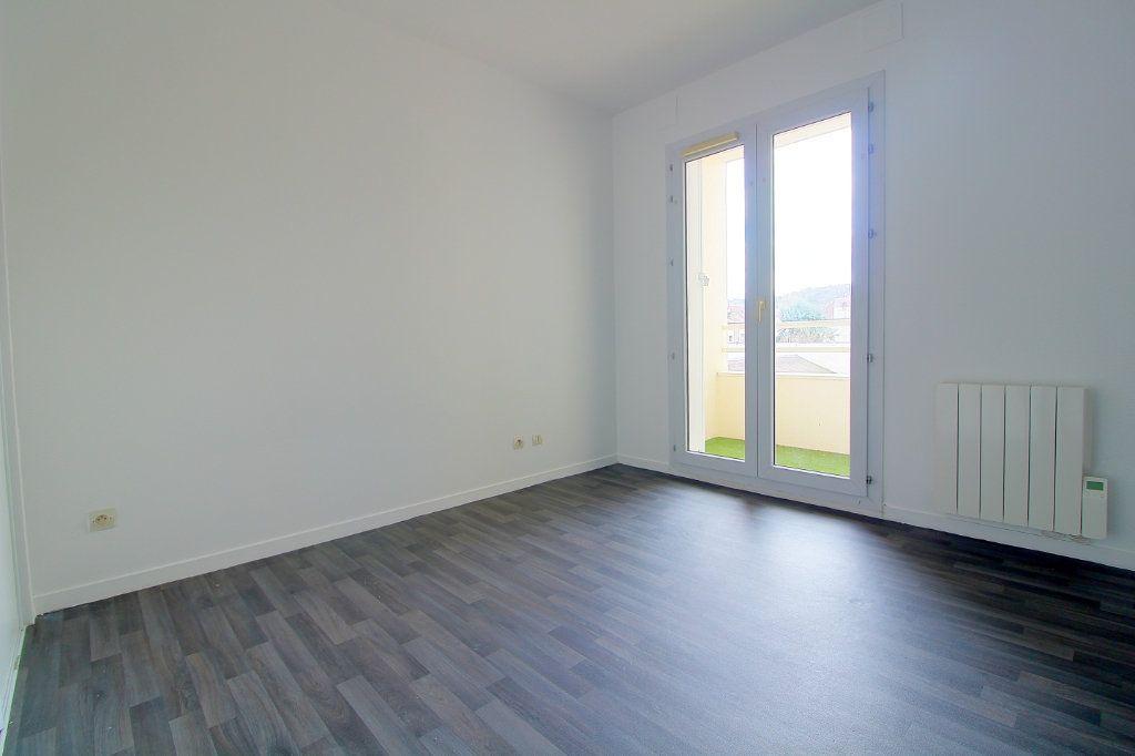 Appartement à louer 3 63m2 à Pont-Sainte-Maxence vignette-6