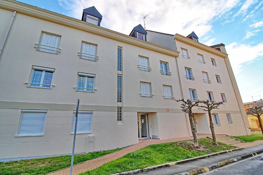 Appartement à louer 3 63m2 à Pont-Sainte-Maxence vignette-8