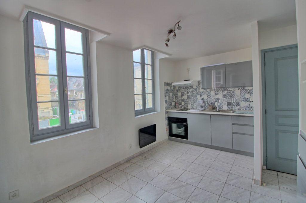 Appartement à louer 2 43m2 à Pont-Sainte-Maxence vignette-2