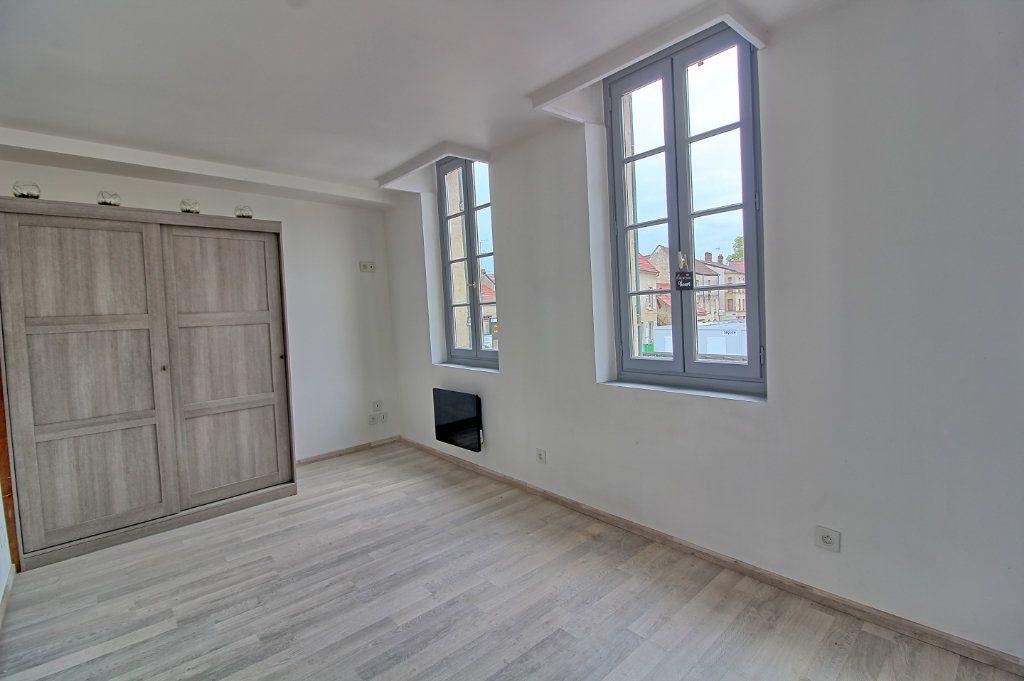 Appartement à louer 2 43m2 à Pont-Sainte-Maxence vignette-3