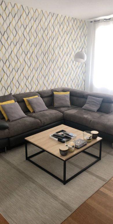 Appartement à louer 3 56m2 à Saint-Égrève vignette-1