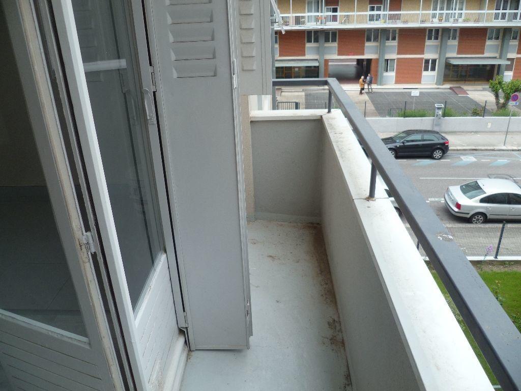 Appartement à louer 1 27m2 à Grenoble vignette-5