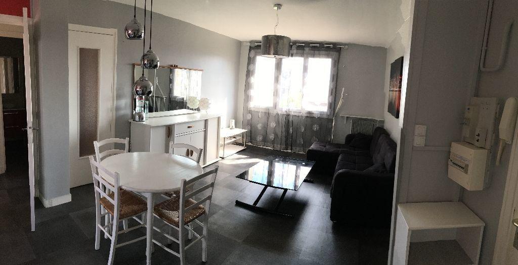 Appartement à louer 3 54m2 à Saint-Égrève vignette-1