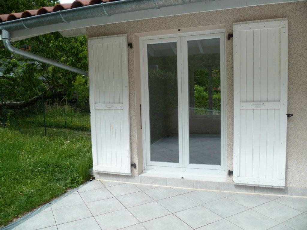 Maison à louer 3 60m2 à Veurey-Voroize vignette-1