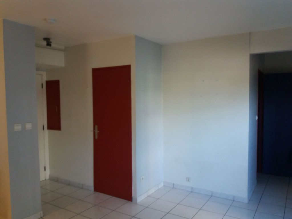 Appartement à louer 2 43m2 à Grenoble vignette-2