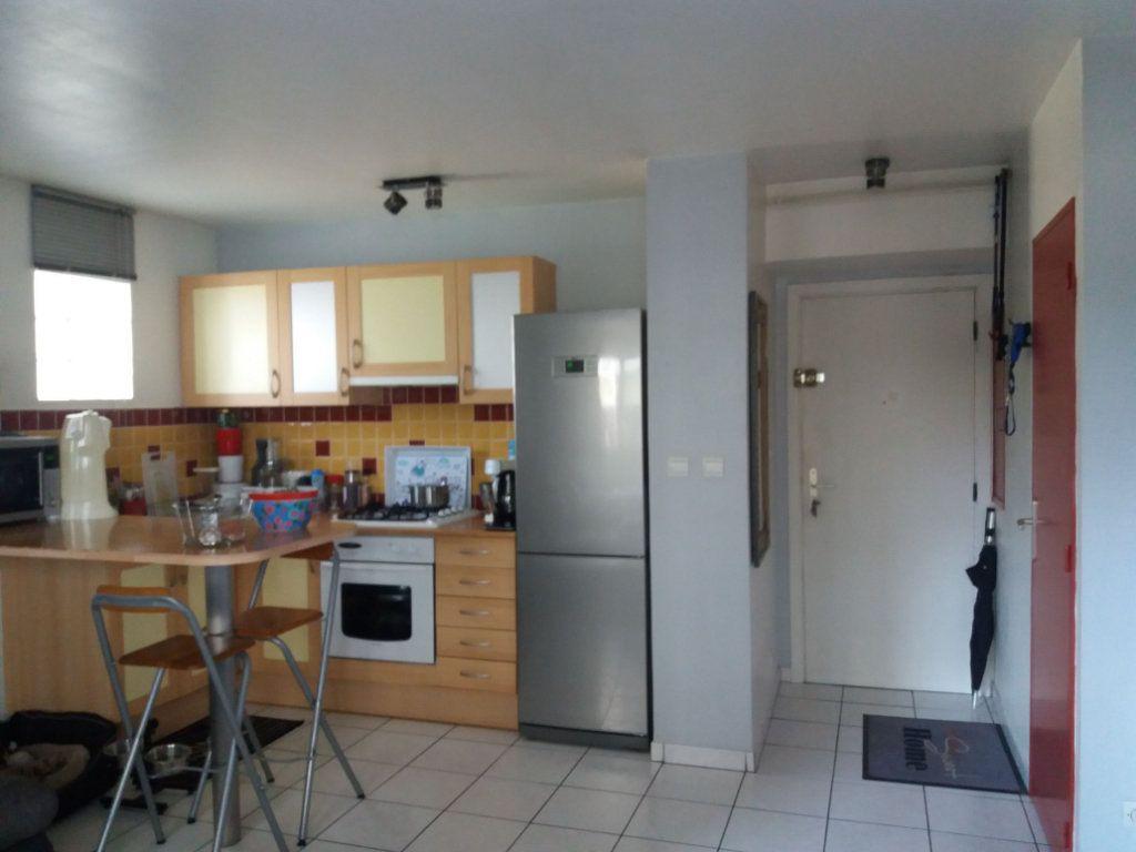 Appartement à louer 2 43m2 à Grenoble vignette-3
