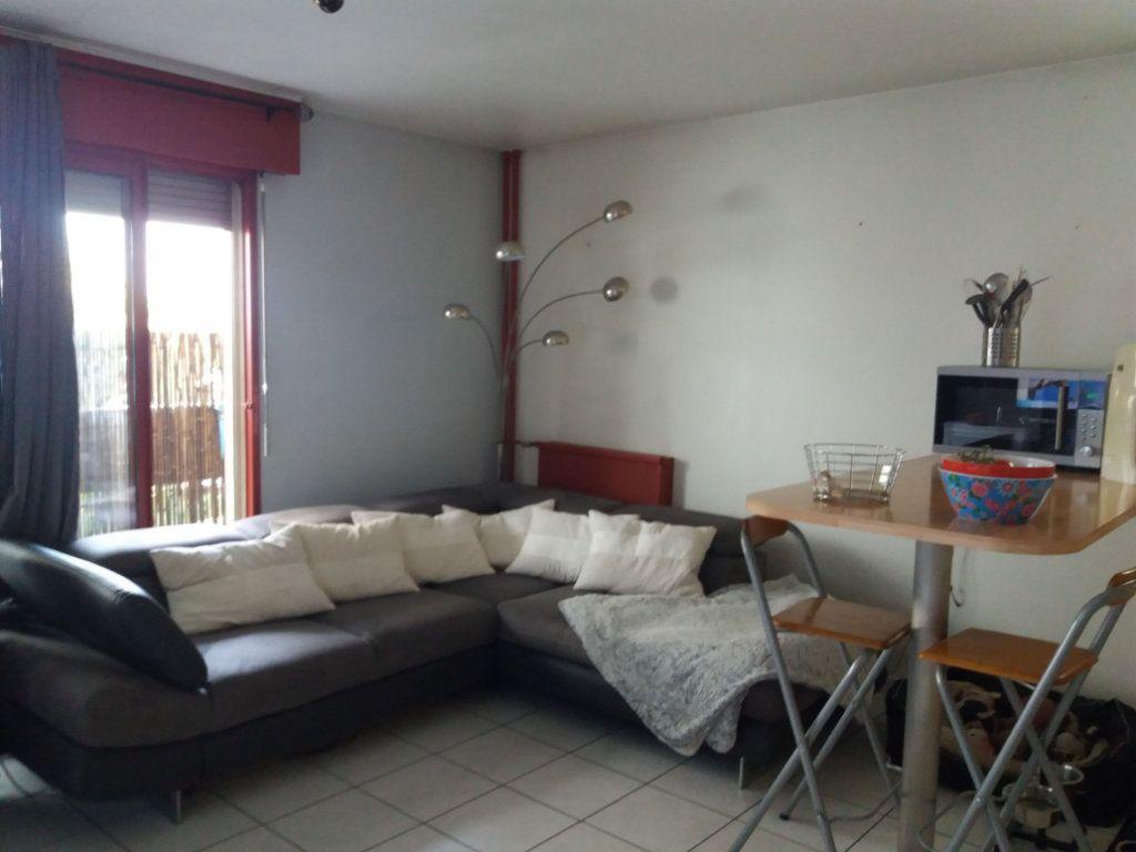 Appartement à louer 2 43m2 à Grenoble vignette-4