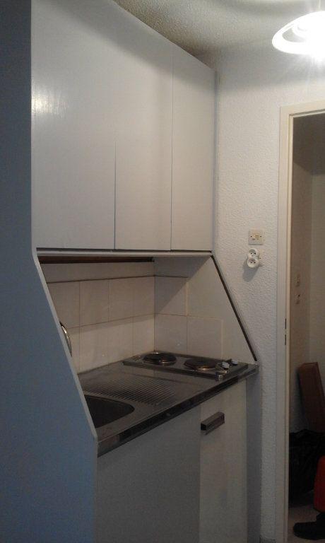 Appartement à louer 1 13.58m2 à Grenoble vignette-2