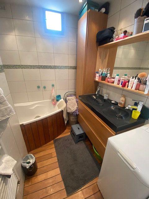 Appartement à louer 3 64m2 à Fontaine vignette-6