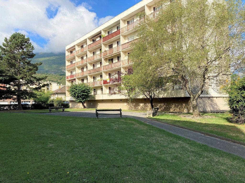 Appartement à vendre 1 28m2 à Fontaine vignette-8