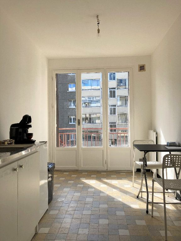 Appartement à vendre 1 28m2 à Fontaine vignette-13