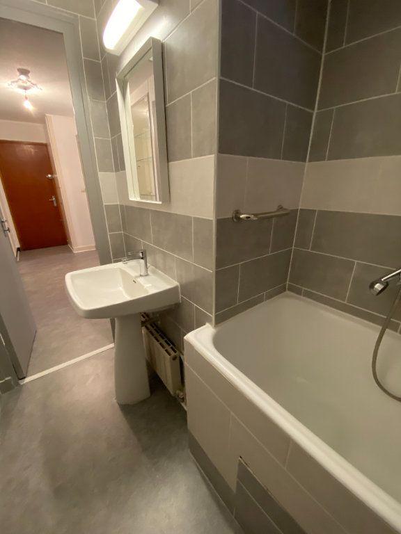 Appartement à louer 3 53.74m2 à Grenoble vignette-4