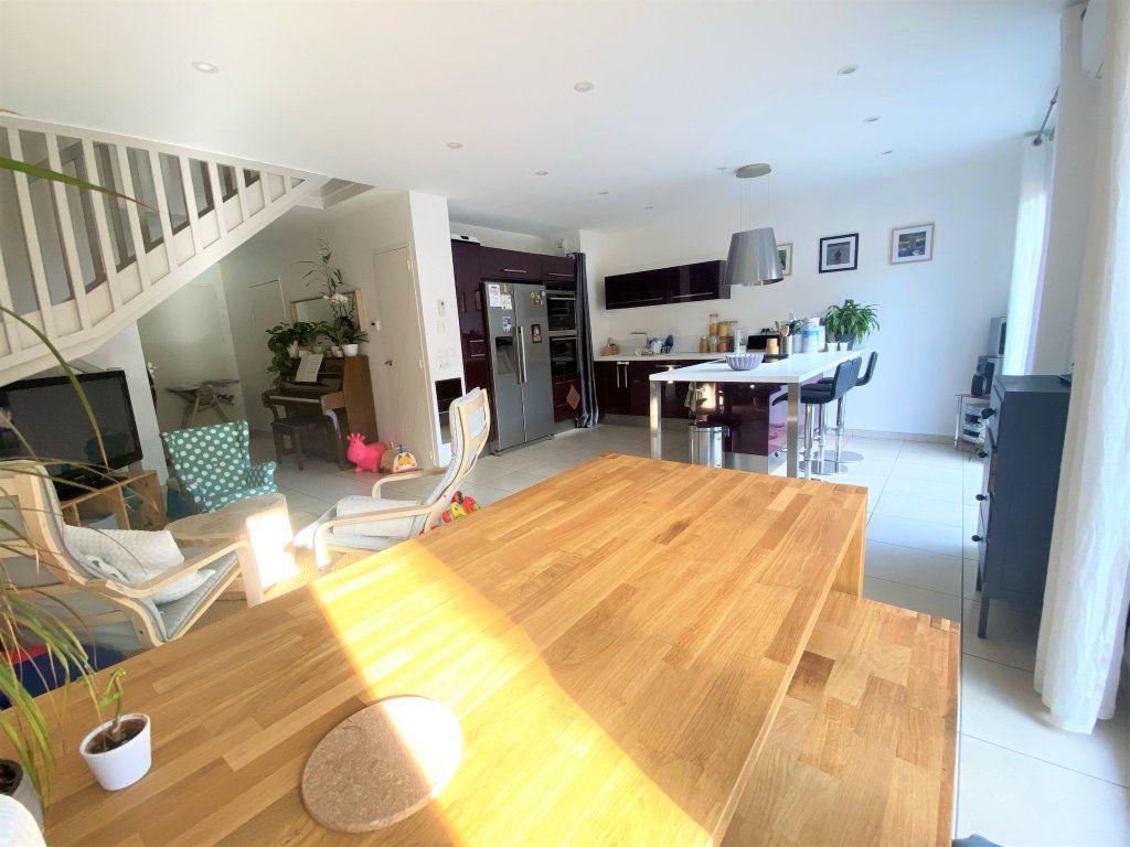 Maison à vendre 5 94.7m2 à Saint-Martin-d'Hères vignette-8