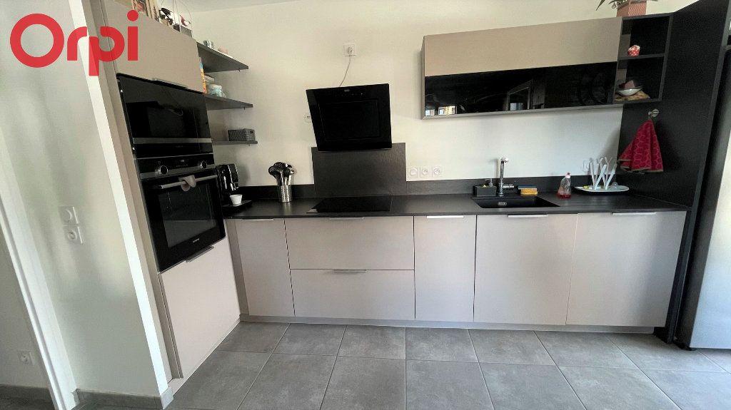 Appartement à vendre 3 63.51m2 à Saint-Égrève vignette-4