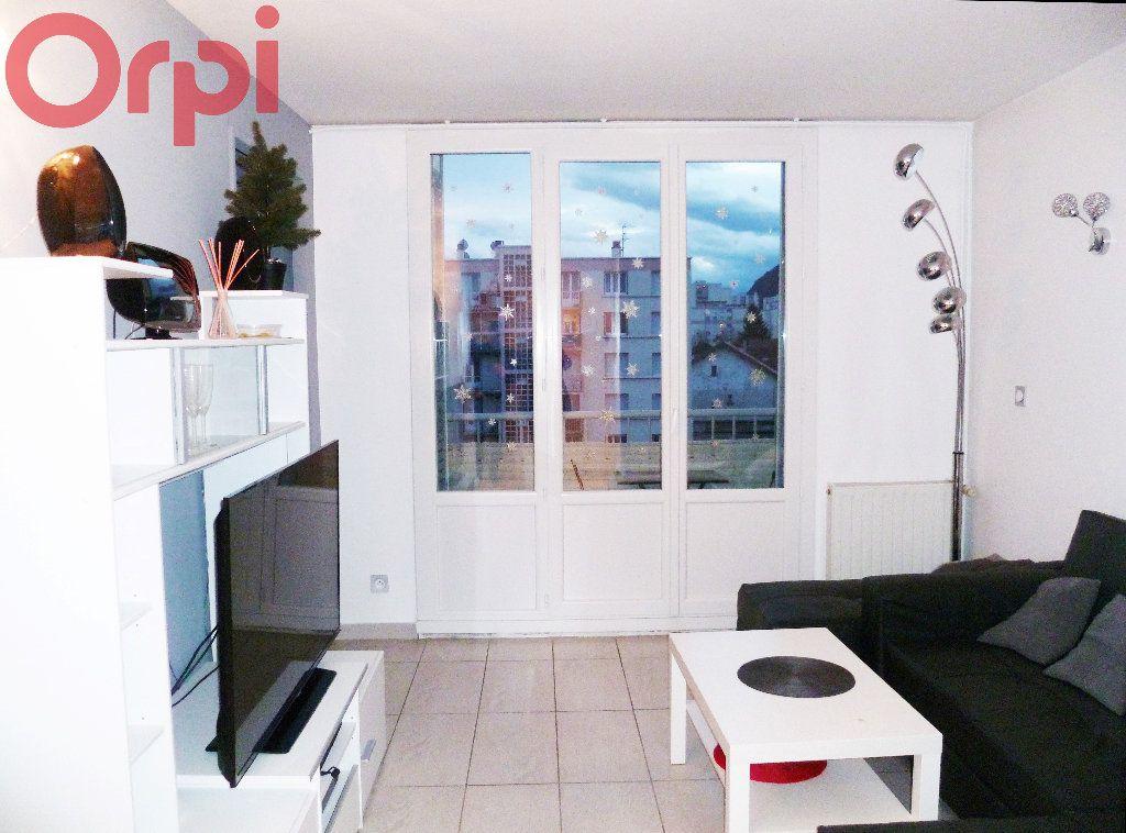 Appartement à vendre 2 50m2 à Seyssinet-Pariset vignette-1